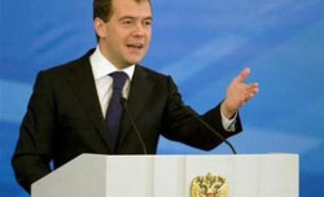 Medvedev warns Russia's security service crisis affect on society