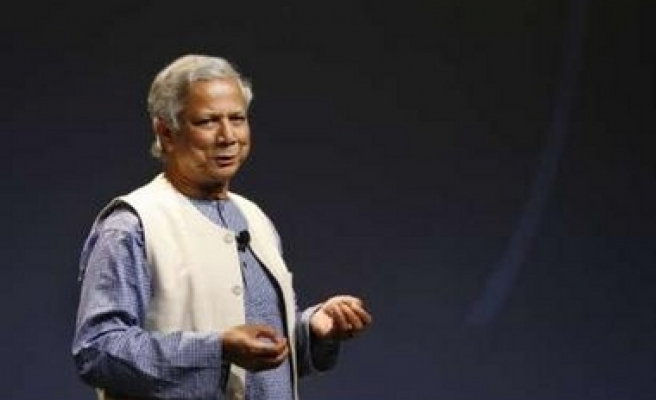 Nobel winner Yunus gives up forming political party