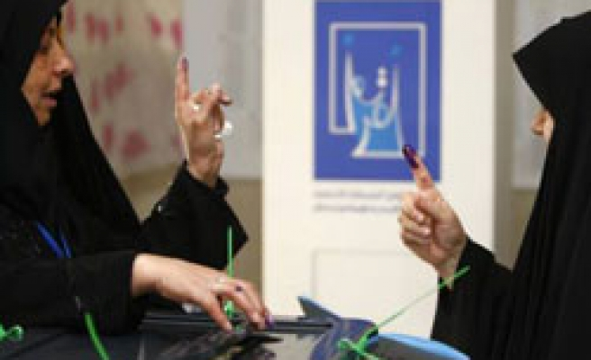 Iraqis vote for provincial elections, hope for changes