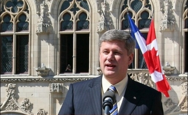 Canada and Afghanistan signs deal on detainees
