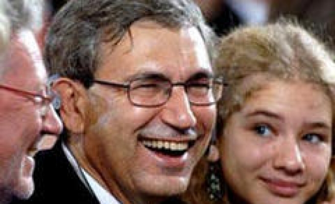 University presents honorary doctorate for Pamuk