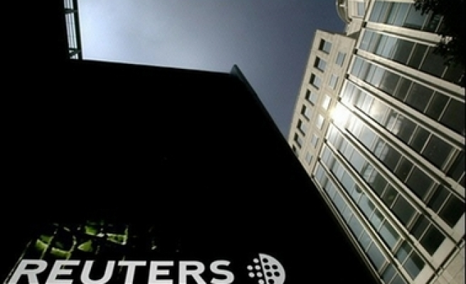 Reuters agrees to Thomson buyout
