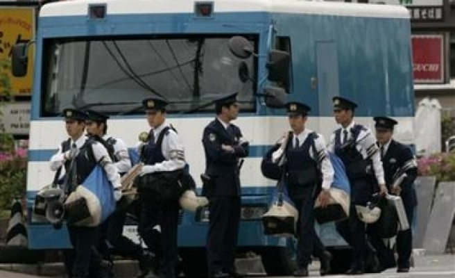 Police rescue Japan gangster's hostage in standoff