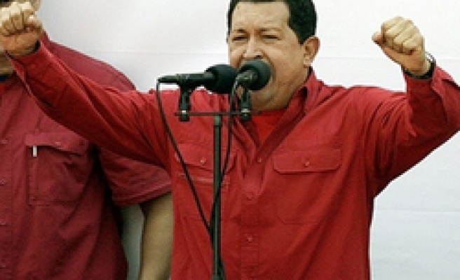 Chavez demands Pope apologize for Indian comments