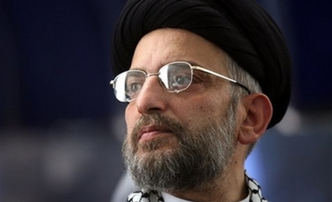 Iraqi Shia leader has lung cancer, seeks care
