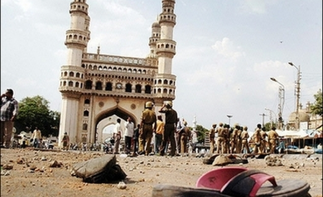 Suspect detained in India mosque bombing