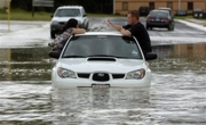 Six dead as storm's remains drench Oklahoma
