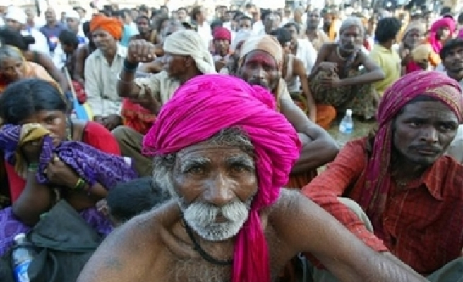 32 Indians killed in Hindu festival stampede