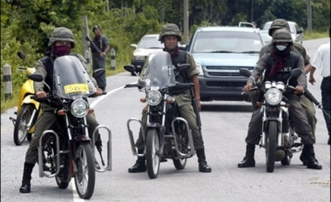 15,000 Thai troops on alert ahead court verdict about main two parties