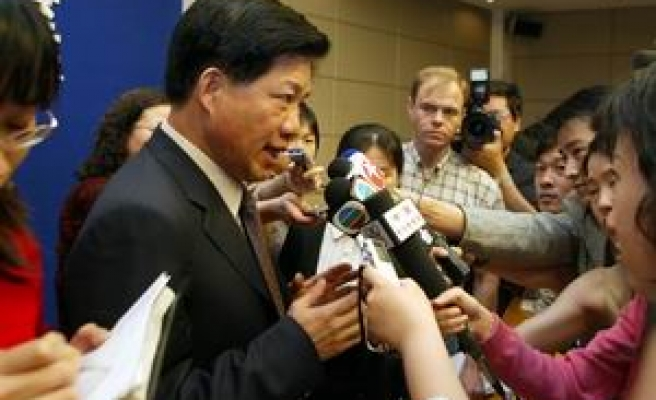 China sentences top food official to death