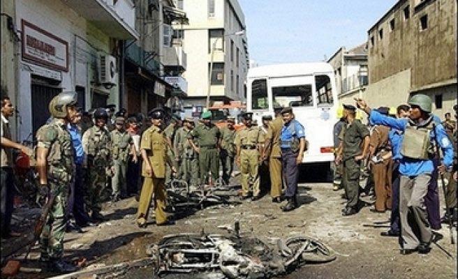 Tamil Tigers attack army gun position in Sri Lanka, 1 killed, 15 wounded