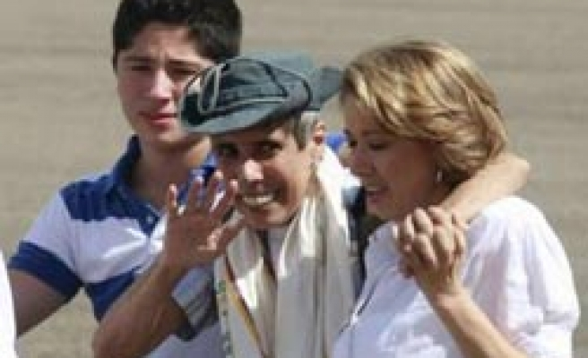 Freed Colombian hostage says only solution 'political'