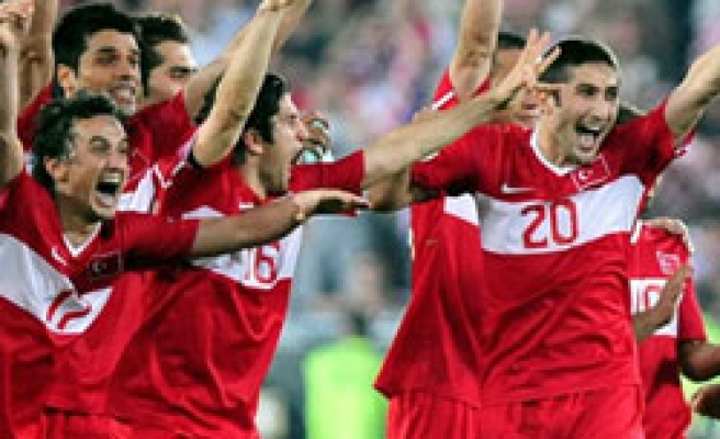 Turkey remains at 10th place in FIFA'a top ten list