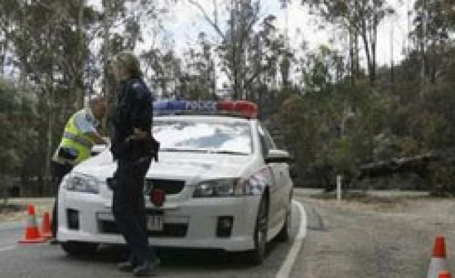 Australia police kill teenager after two officers stabbed