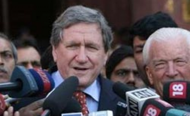 US uneasy with Pakistani Islamic law deal over Swat