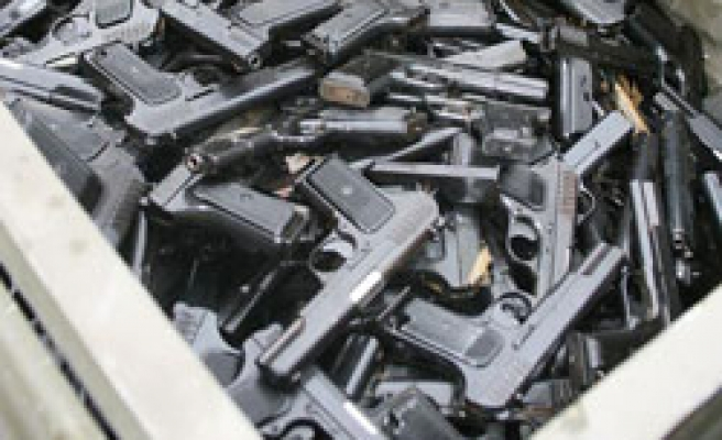 4,825 security officers' weapons seized