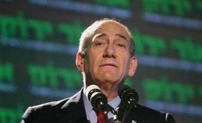 Olmert aide could face charges in corruption probe