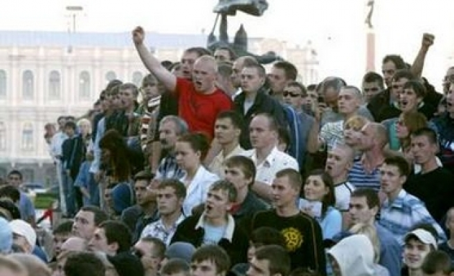 Nationalist Russians protest, tension high near Chechnya