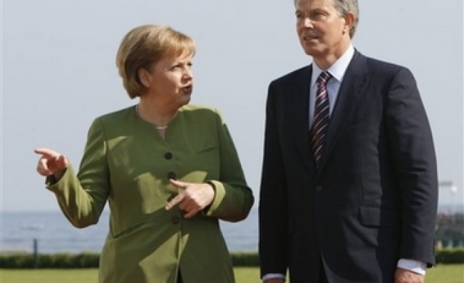 EU treaty must include human rights clause, Germany insists