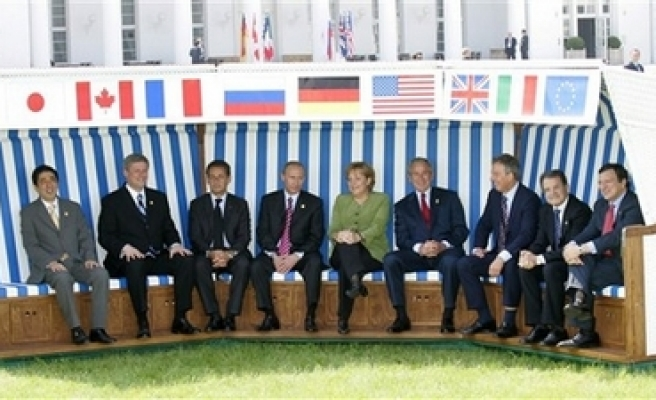 G-8 agrees on climate change deal