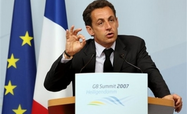 France condemns 'without reservation' on Israeli