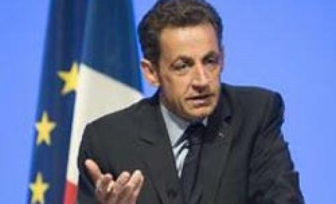 France adopts law facilitating Islamic bonds