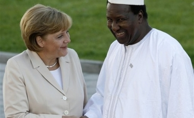 G-8 approves $60B aid for Africa