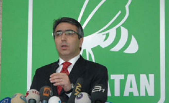 Turkish party ANAP quits election