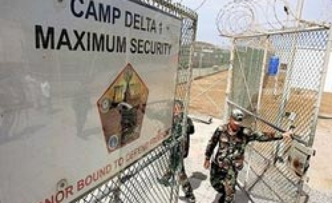 Guantanamo hearing halted after accusations of FBI spying