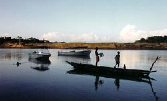 Boat carrying 20 tourists sinks in Indonesia, 15 missing