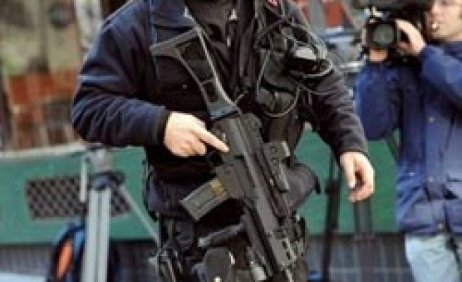 15 Serbs jailed for weapons trafficking to France
