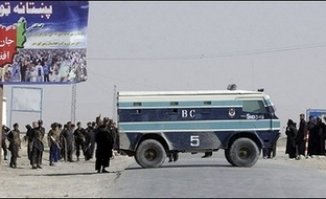 Pakistan vehicles banned fron entry in Afghan border