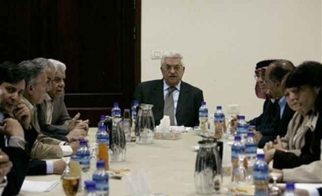 PLO recommends Abbas to break gov't, Hamas rejects