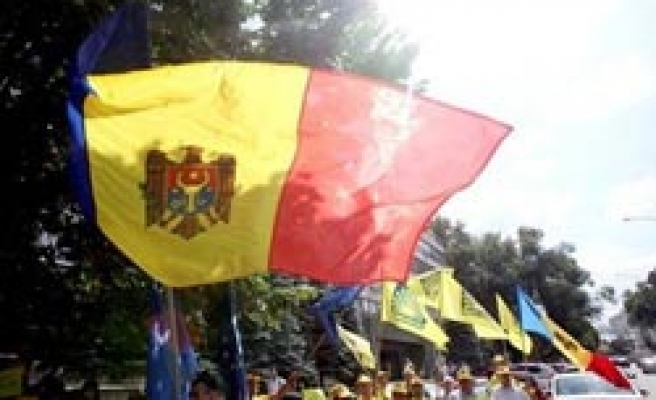 Moldova divided on Europe integration as election nears