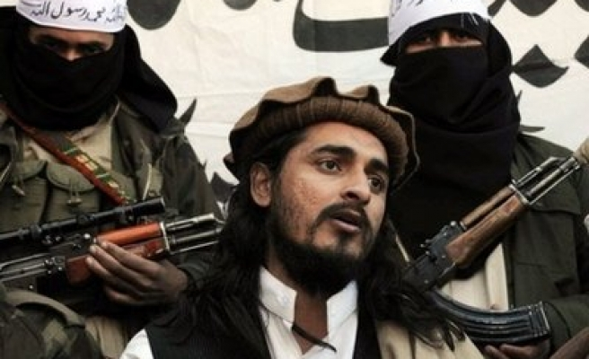 Pakistan Taliban secretly bury leader, vow revenge