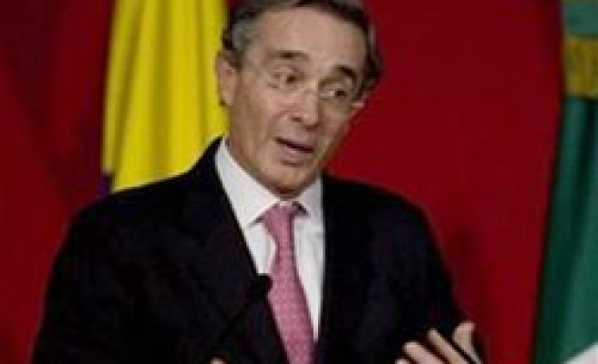 Colombia mulls building up air defense systems, arms