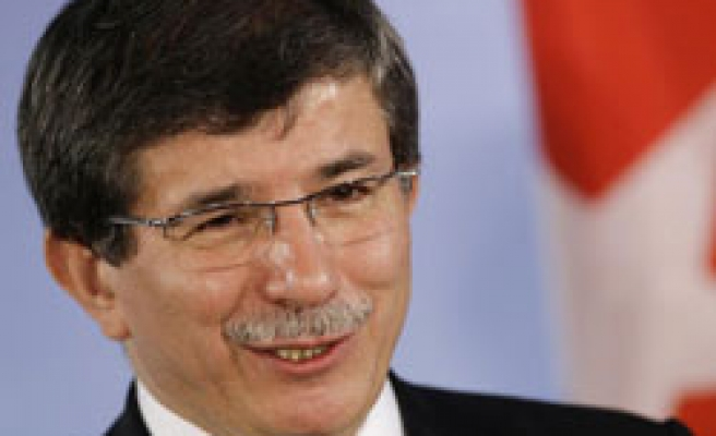 Turkey's FM meets Turkish Cypriot PM in Lefkosa