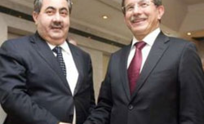 Turkey says just helping brothers Iraq, Syria not mediating