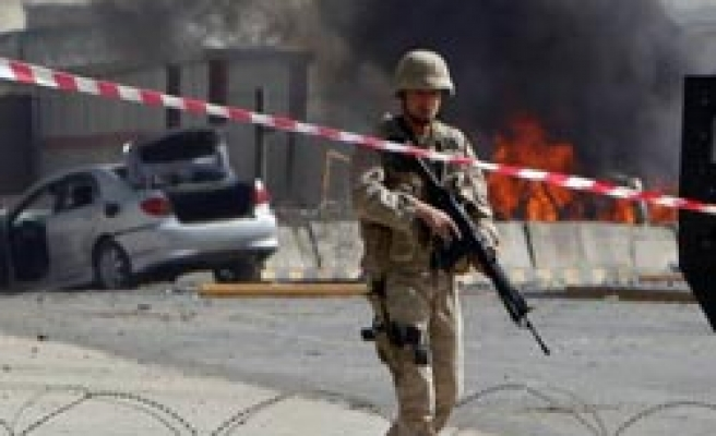 Deadly blast at Kabul airport targets NATO base in Afghanistan / PHOTO