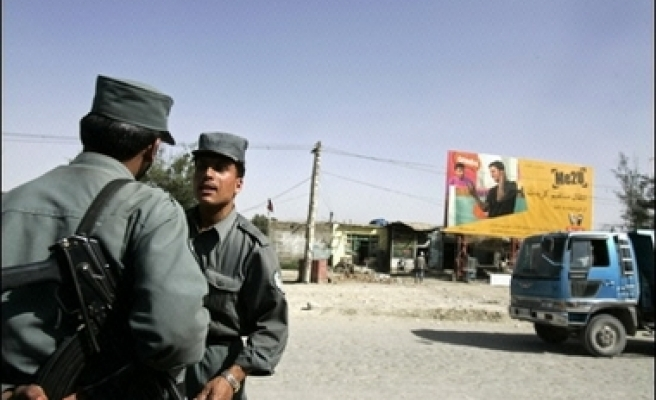 Taliban fighters seize south Afghan area