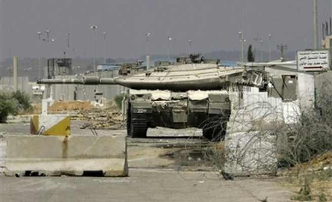 Israel to open Erez border for Russians in Gaza