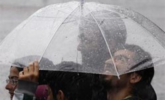Cold weather affects life in Turkey