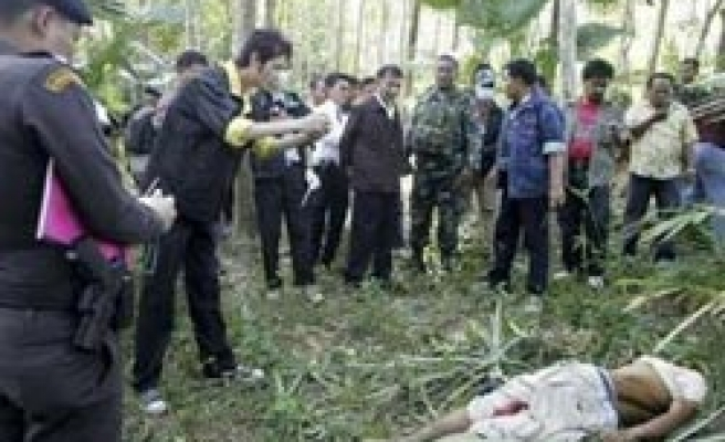 Thailand's soldiers shot dead two Muslims in Yala