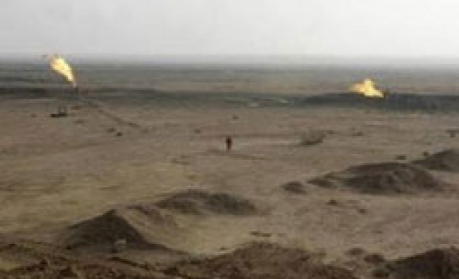 Iran troops withdraw from oil well, Iraq says