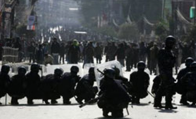 HRW: Nepal targets Tibetan exiles, under pressure from China