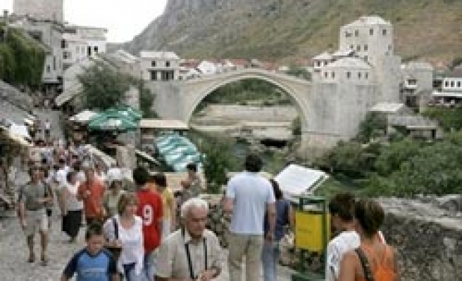 Croat elected as new mayor of Bosnia's Mostar