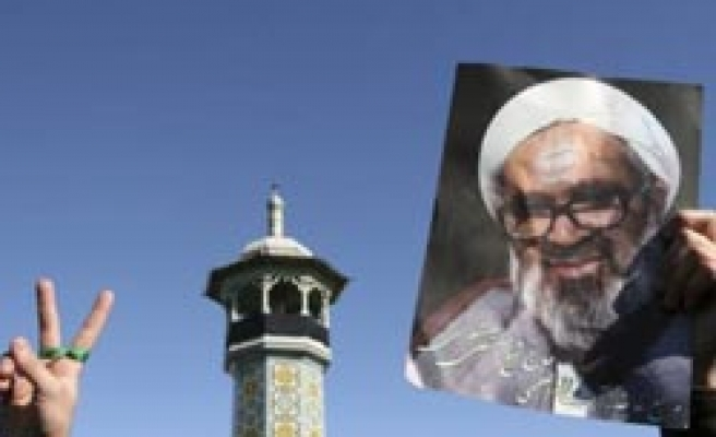 Thousands of Iranians mourn dissident cleric Montazeri / PHOTO