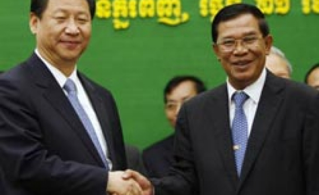 China pours more money to Cambodia after Uighurs deported