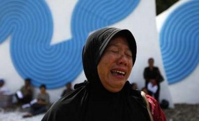 Asia marks 2004 tsunami disaster in 5th anniversary with prayers