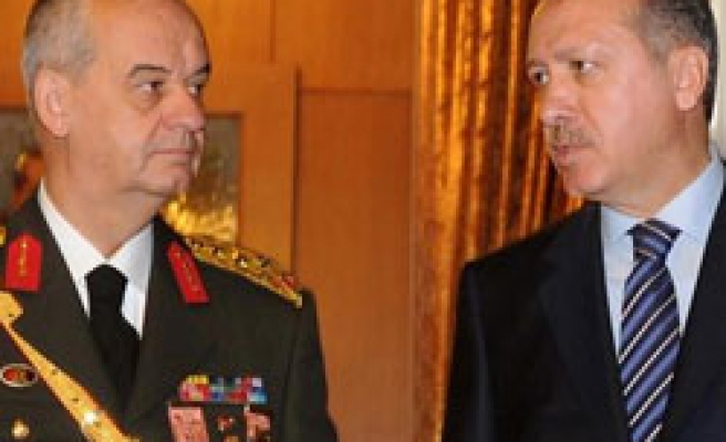 Turkish PM surprisingly meets General staff chief